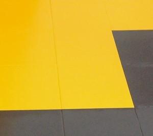 Malowanie płytek RAL 1003 żółty sygnałowy