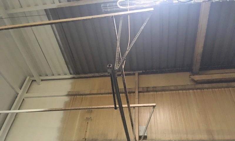 Zabezpieczenie metalowego sufity