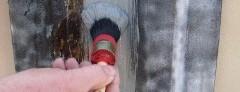 Farba 2w1 na wilgotne podłoże Humicover