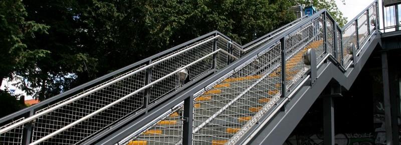 Farba do metalowych barierek, balustrad