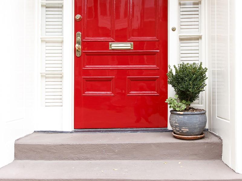 Szybkoschnąca farba odporna na poślizg na schody, przejścia itp.