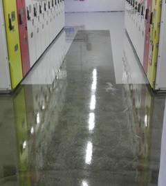 Podkład do wilgotnego betonu
