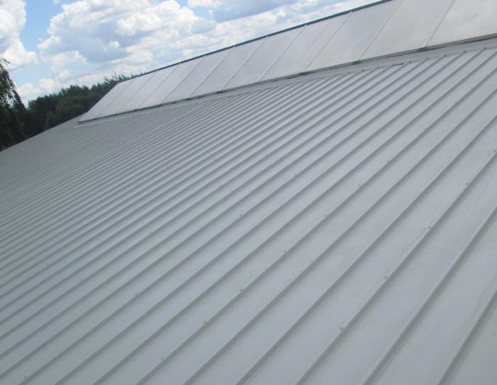 Naprawa dachów z paneli warstwowych