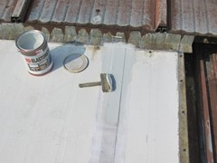 Uszczelnianie dachów metalowych