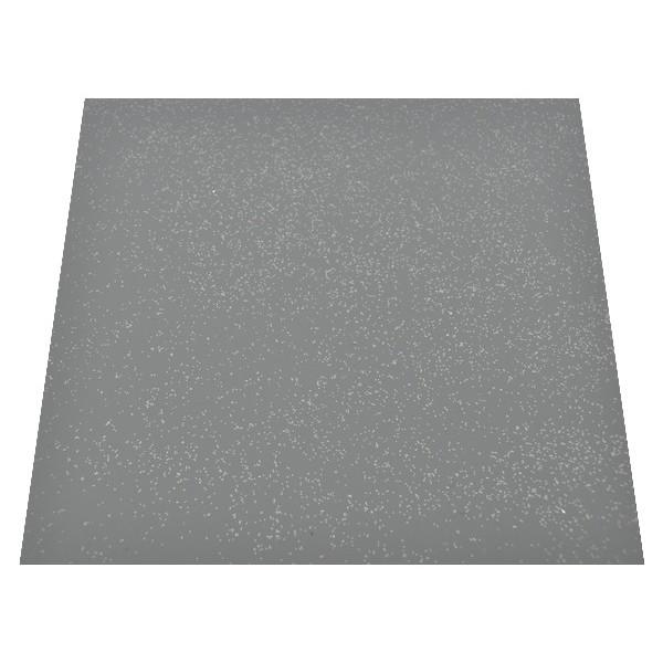 Brokat srebrny na szarej posadzce - ujęcie ze skosu