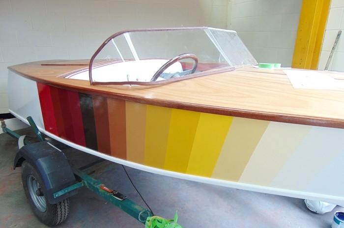 Farba do malowania drewna jachtowa
