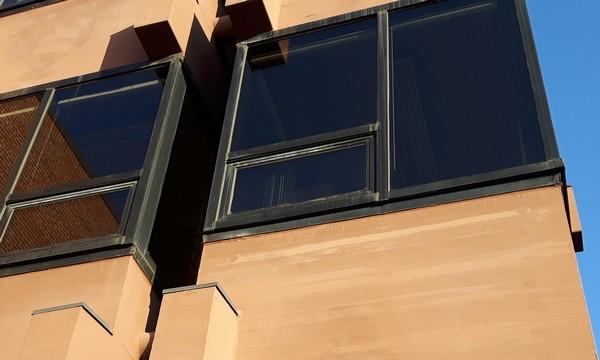 Farba elastyczna na elewacjach drewnianych