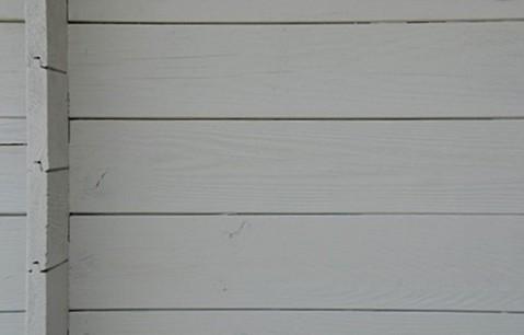 Drewno pomalowane farbą Elastoflex