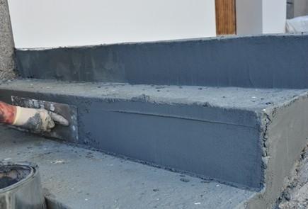 Elastyczna zaprawa na schody, mury