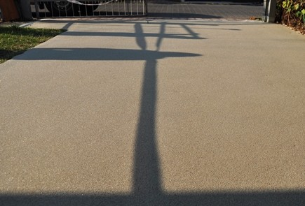 Farba do betonu poliuretanowa