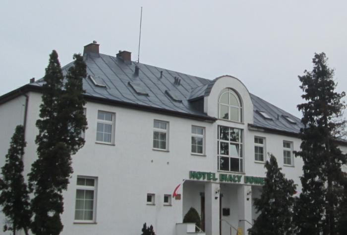 Malowanie dachu z blachy