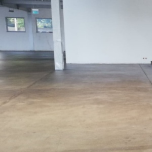 Lakier bezbarwny poliuretanowy do betonu