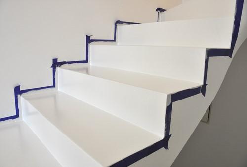Lakier bezbarwny do betonu, schodów