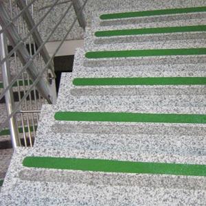 Nawierzchnia antypoślizgowa na schody