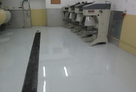 Samopoziomująca podłoga epoksydowa