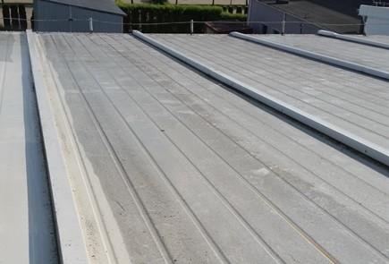 uszczelnienie dachów metalowych