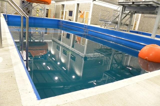 Farba basenów, zbiorników