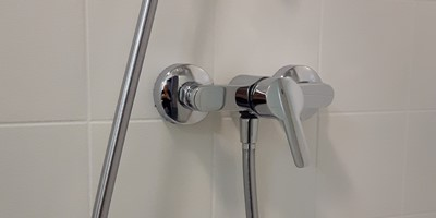 Farba do płytek prysznicowych