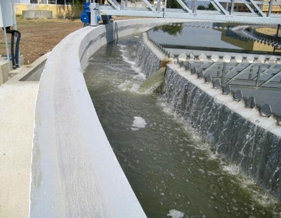 Farba do uszczelniania basenów, zbiorników