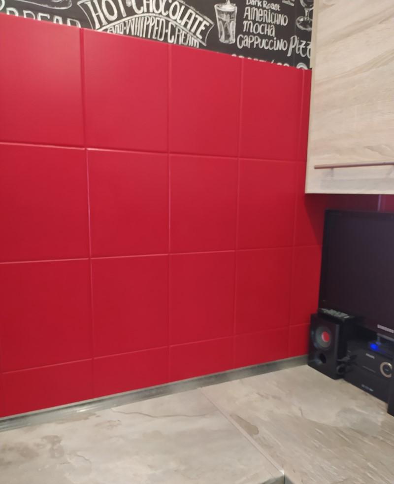 Farba do płytek ceramicznych Hydropox w kolorze NCS S 2050-B30G w kuchni