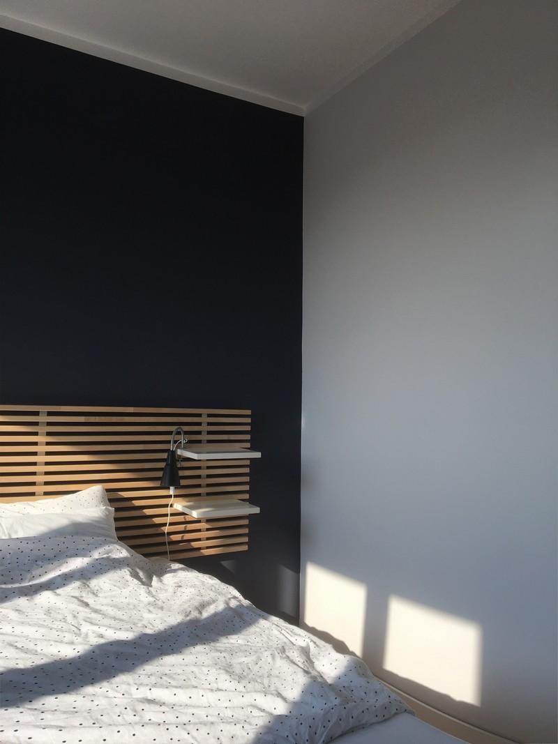 Farba akrylowa do ścian Deco Acryl w kolorze NCS S 6010-R70B na ścianie pokoju