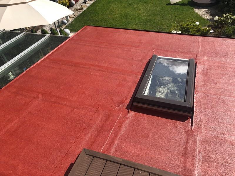 Farba do papy Elastodeck RAL 3009 na dachu