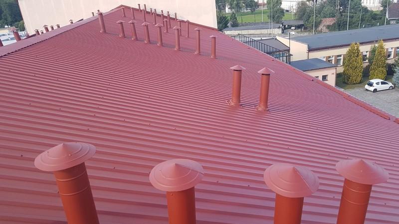 Farba do dachu z blachy Metal Unicoat w kolorze RAL 3009