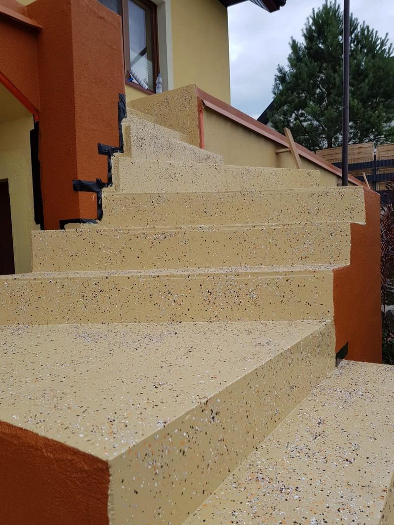 System do betonu na zewnątrz Dampshield + P101 RAL 1001 na schodach