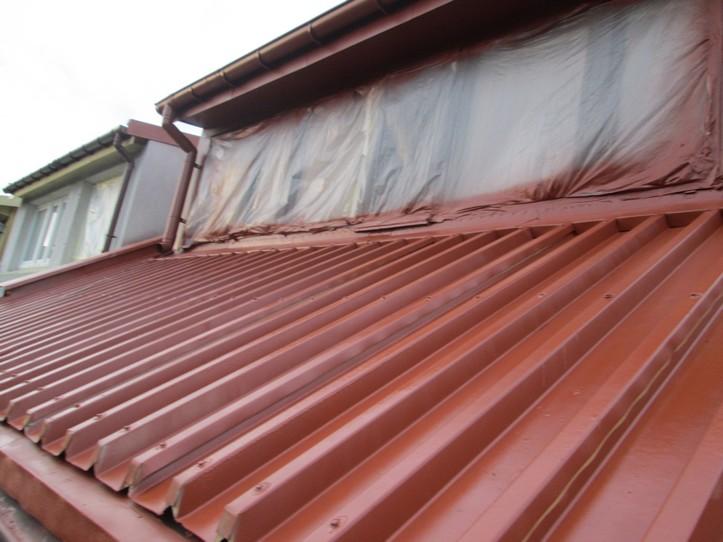 Preparat antykorozyjny, uszczelniający Elastometal RAL 8004 na dachu