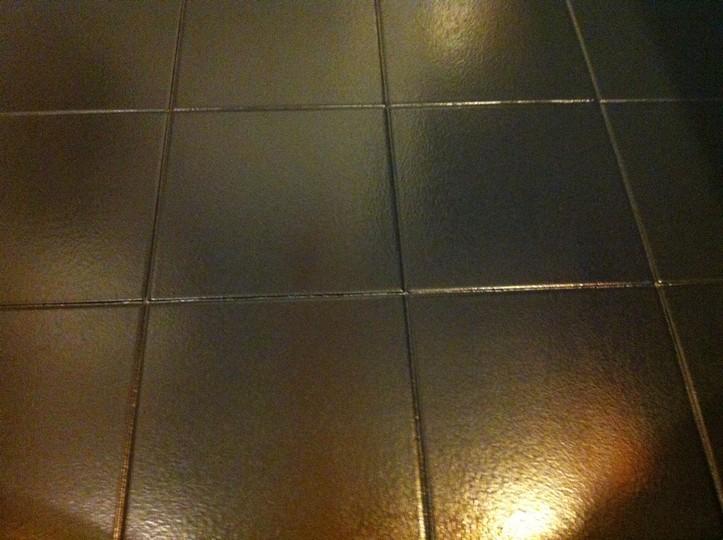 Farba do płytek ceramicznych Hydropox RAL 9005 na płytkach