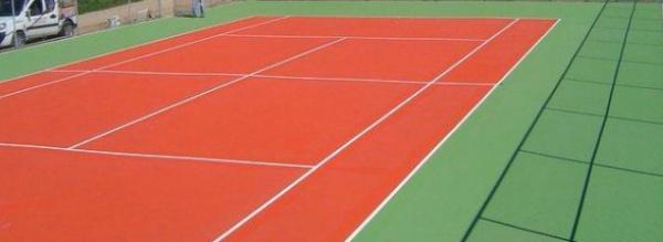 Farba do gruntów sportowych