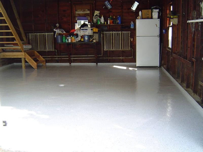 Odnowiona posadzka w garażu