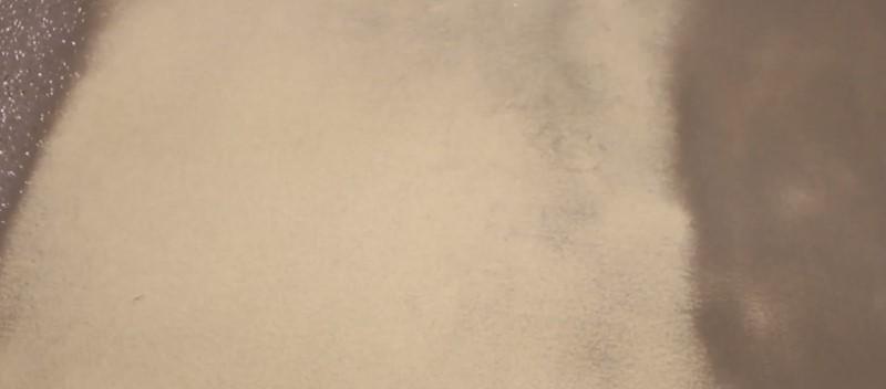 Renowacja hali - zasypywanie piaskiem