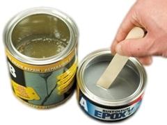 Przygotowanie składników wypełniacza Fine Crack Repair