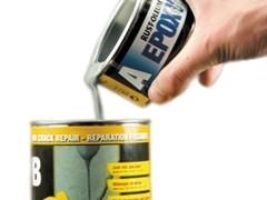 Mieszanie składników wypełniacza Fine Crack Repair
