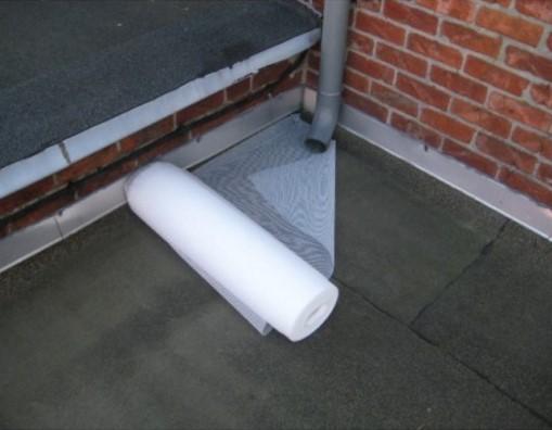 Włóknina wzmacniająca do dachów, pokryć dachowych