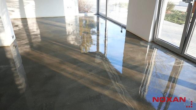 Jak aplikować przezroczysty system do zabezpieczenia betonu