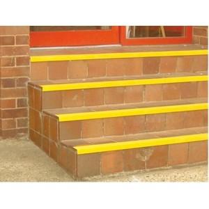 Listwy antypoślizgowe na schody SuperGrip